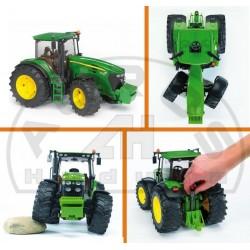 Zabawka traktor John Deere 7930